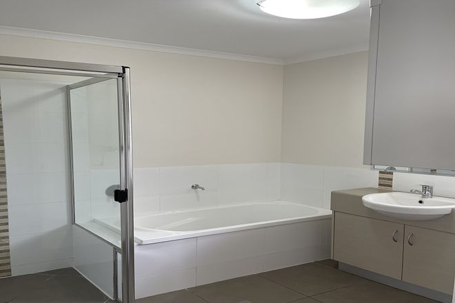 Picture of 4/8 Low Street, YANDINA QLD 4561