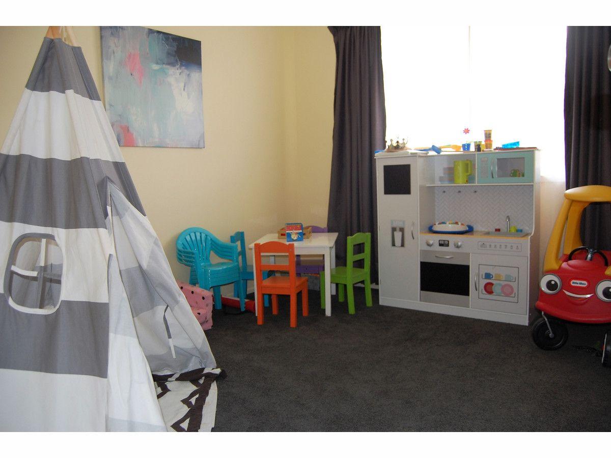 12 Gill Street, Kirwan QLD 4817, Image 2