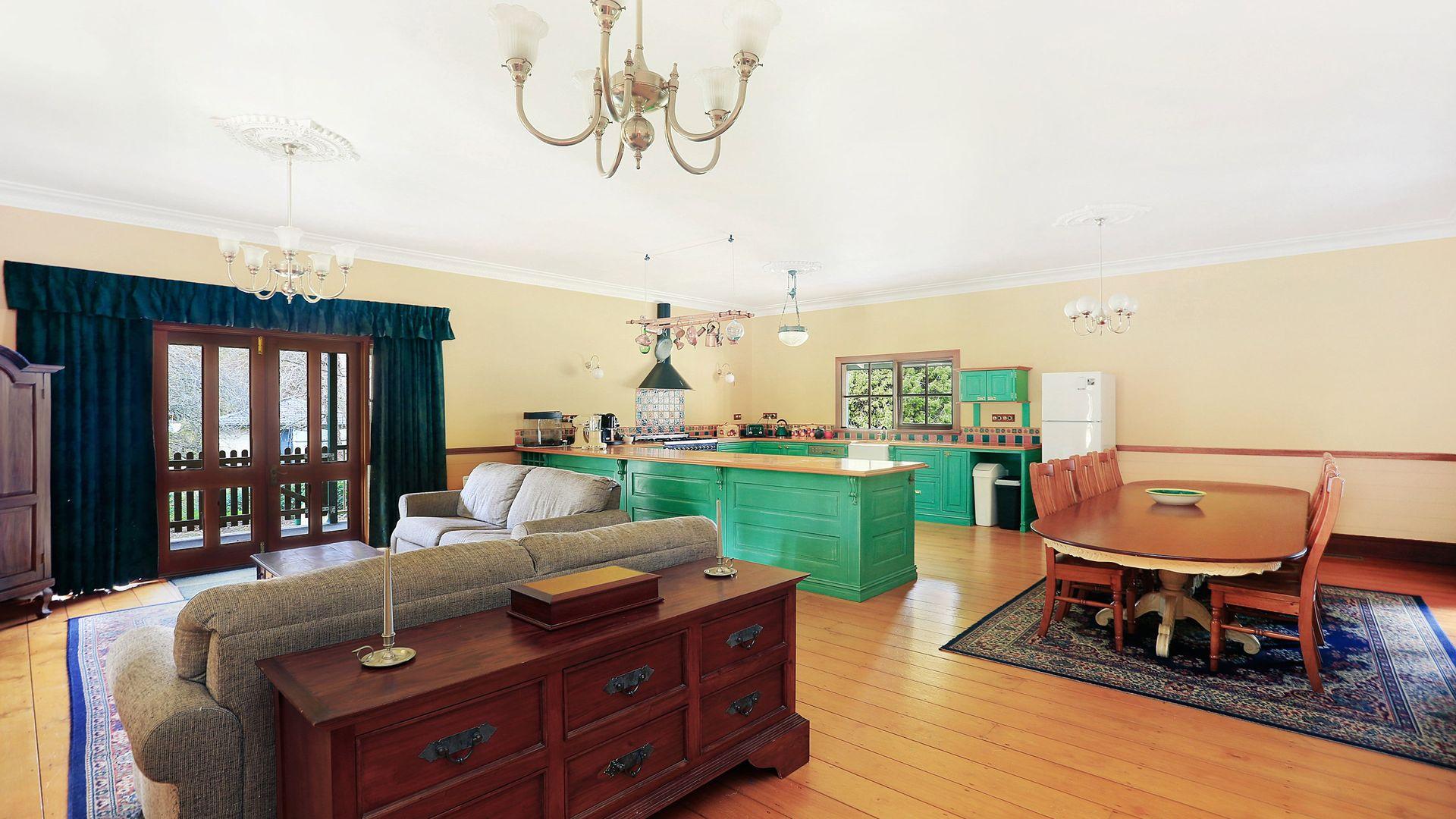 12 Bedford Place, Burradoo NSW 2576, Image 2