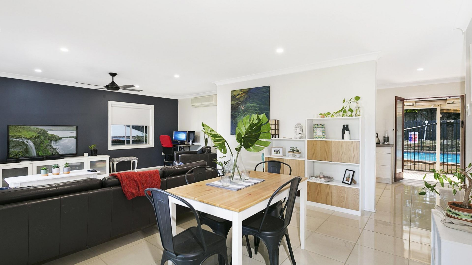 8 Majura Street, Belmont QLD 4153, Image 1