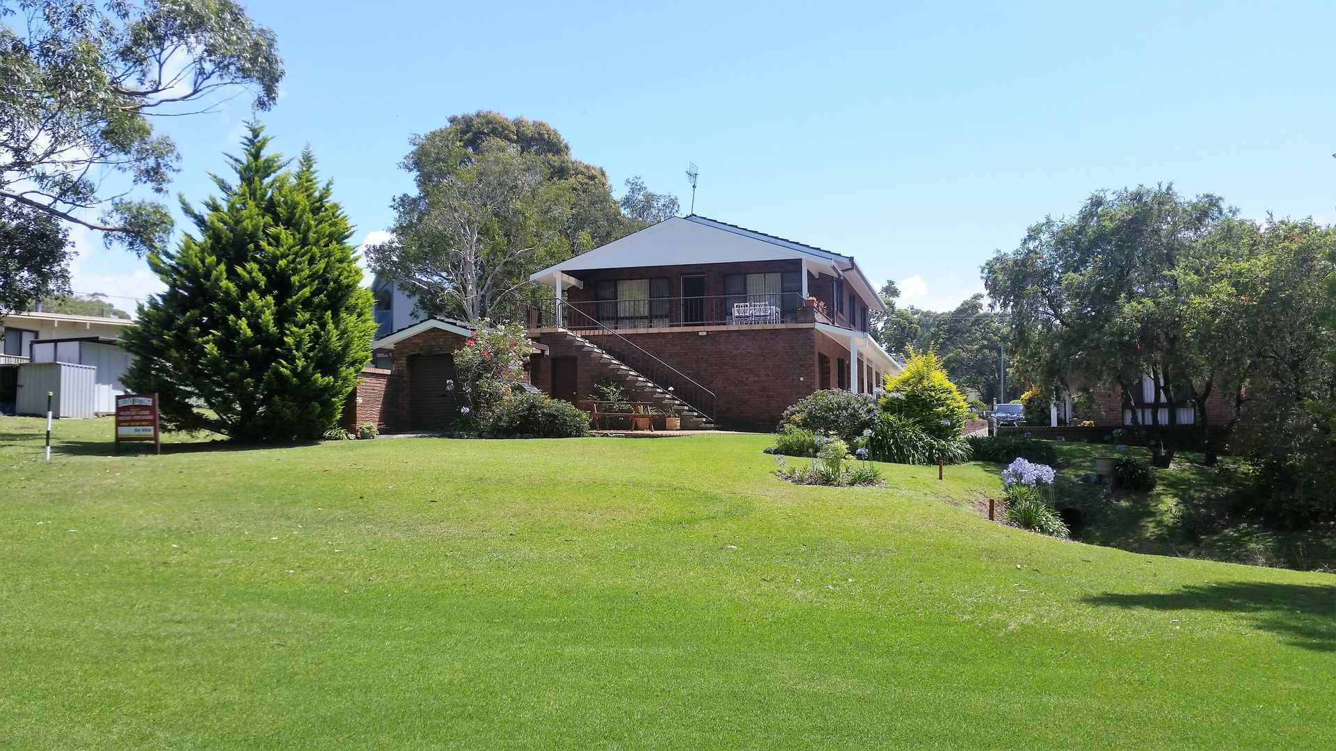 85 Clyde Street, Mollymook Beach NSW 2539, Image 2