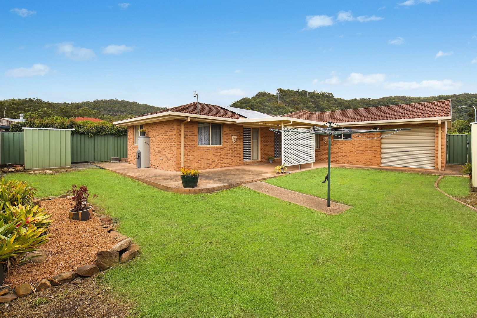 2 John Howe Place, Point Clare NSW 2250, Image 1