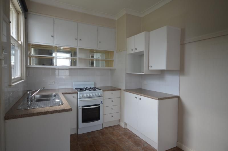 26 Clinton Avenue, Adamstown Heights NSW 2289, Image 2