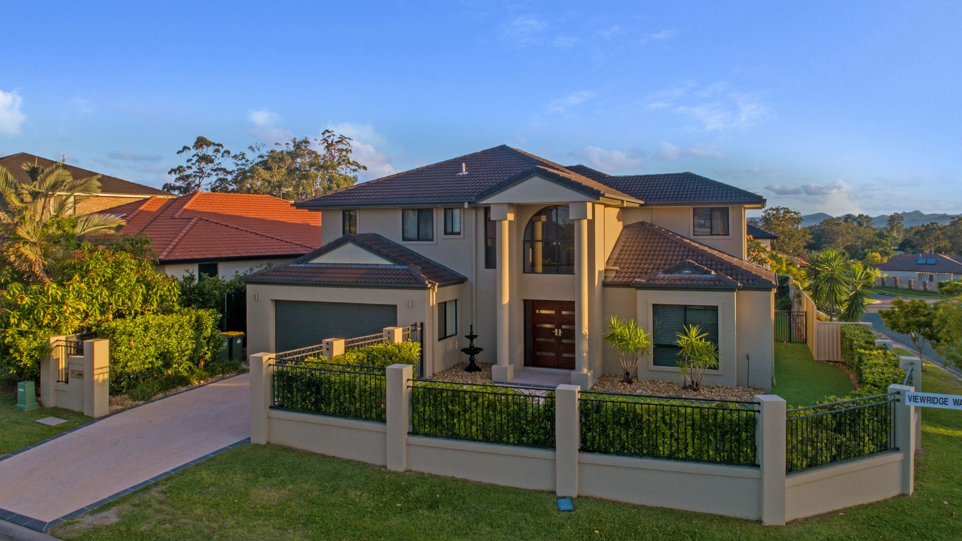 1 Viewridge Way, Molendinar QLD 4214, Image 2