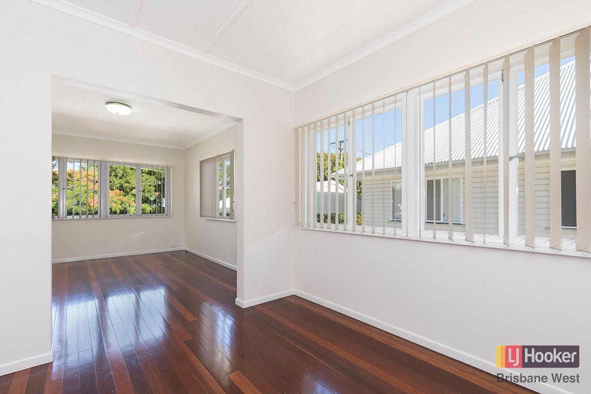 9 Coleman Street, Graceville QLD 4075, Image 2