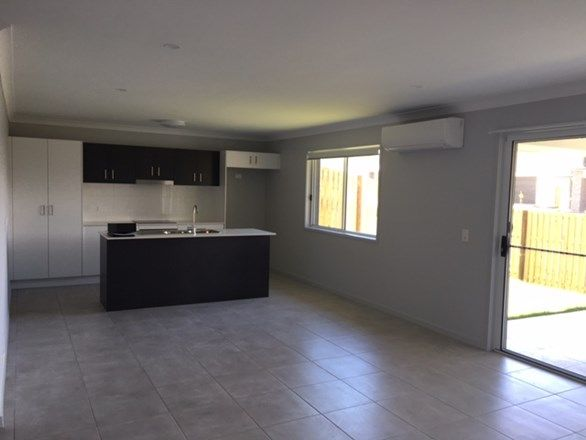 8 McPherson Crescent, Coomera QLD 4209, Image 2