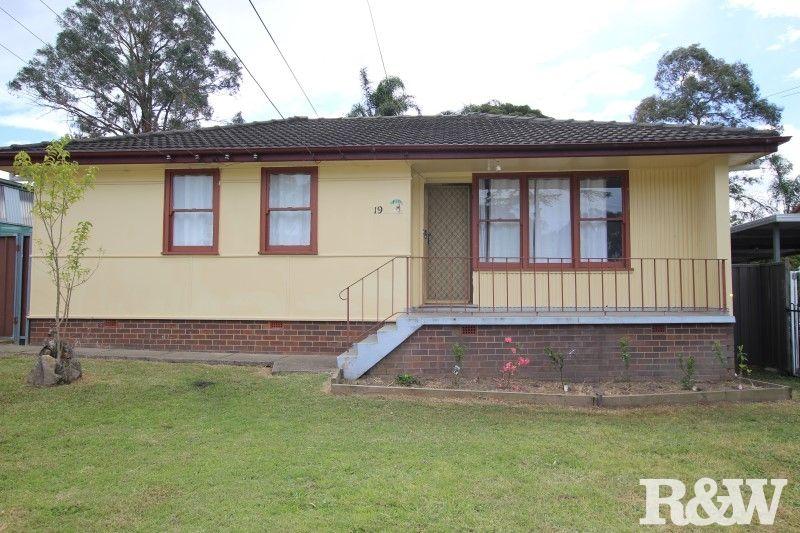19 Leyte Avenue, Lethbridge Park NSW 2770, Image 0
