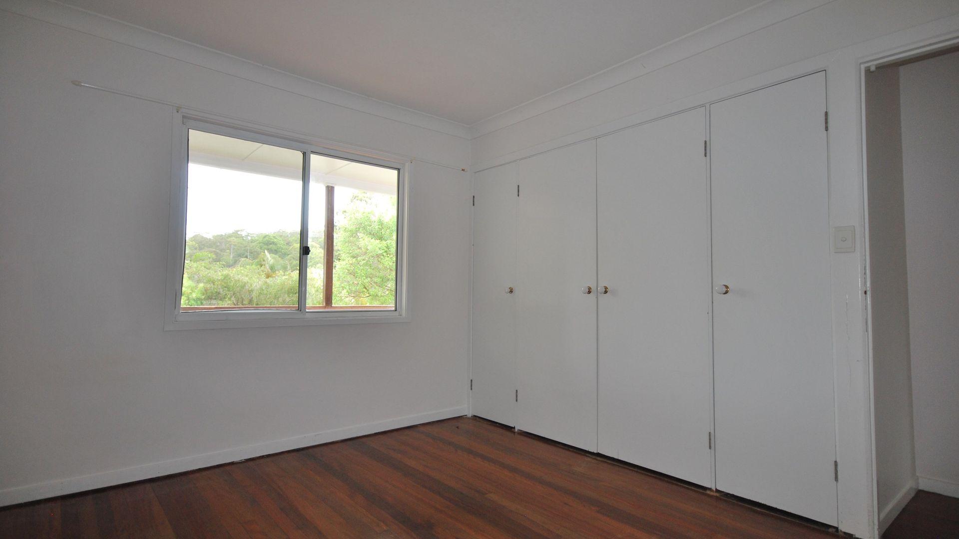 12 Tabilban Street, Burleigh Heads QLD 4220, Image 2