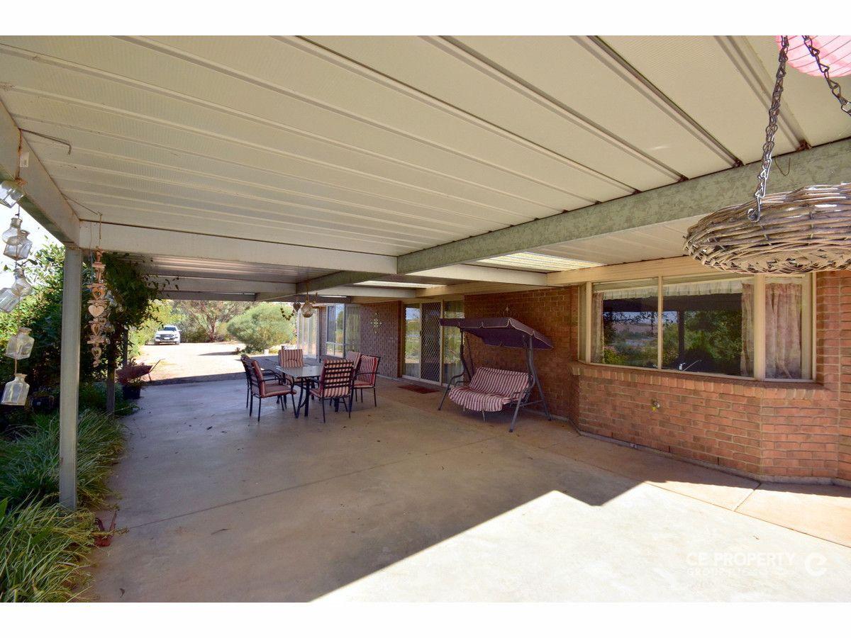 5 Shearer Heights Road, Mannum SA 5238, Image 2