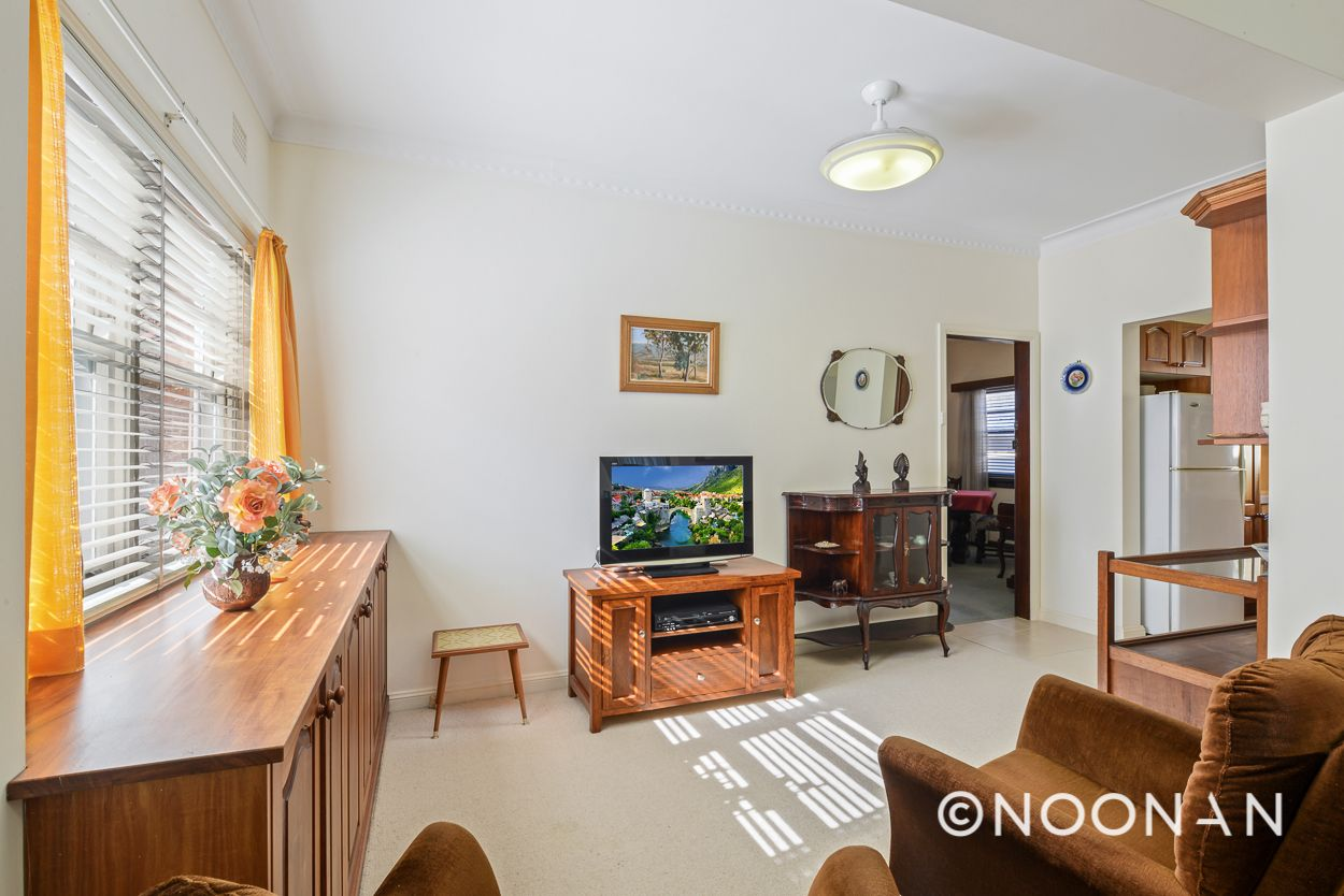23 Arinya Street, Kingsgrove NSW 2208, Image 2