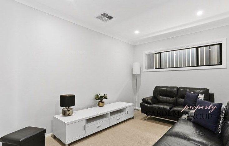 15 Golden Wattle Avenue, Gregory Hills NSW 2557, Image 1