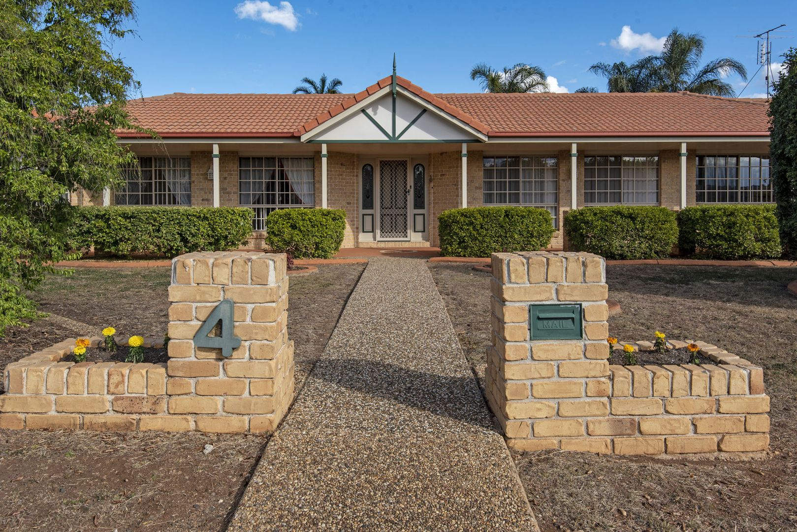 4 Jackson Close, Hodgson Vale QLD 4352, Image 2
