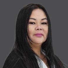 Jacqui Valencia, Senior Property Manager