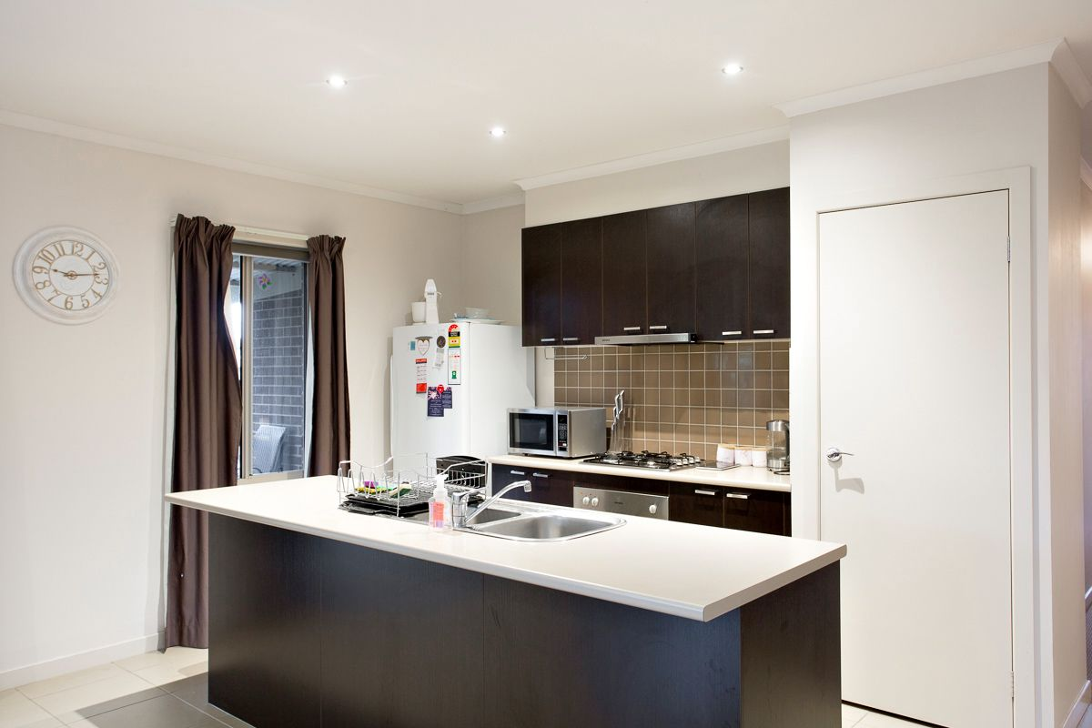 2/146 Mansfield Avenue, Mount Clear VIC 3350, Image 2