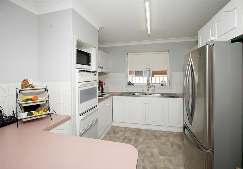 45 Balleroo Crescent, Glenfield Park NSW 2650, Image 1