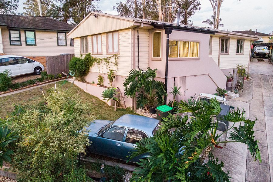 8 Coonong Street, Busby NSW 2168, Image 0