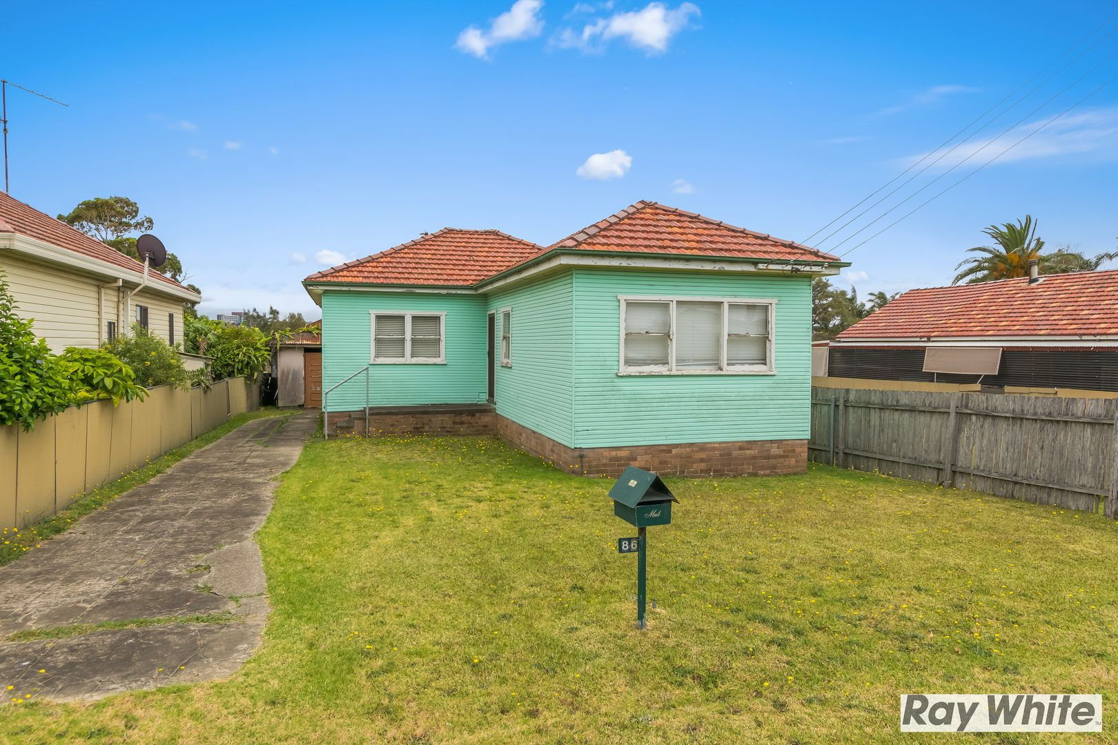 86 Lakeview Parade, Primbee NSW 2502, Image 1
