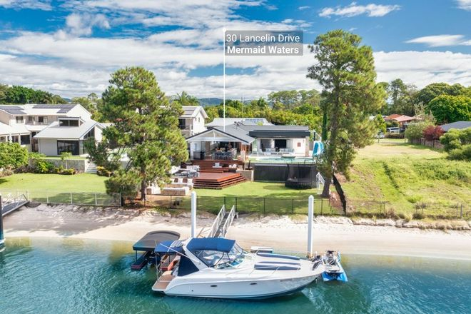 Picture of 30 Lancelin Drive, MERMAID WATERS QLD 4218