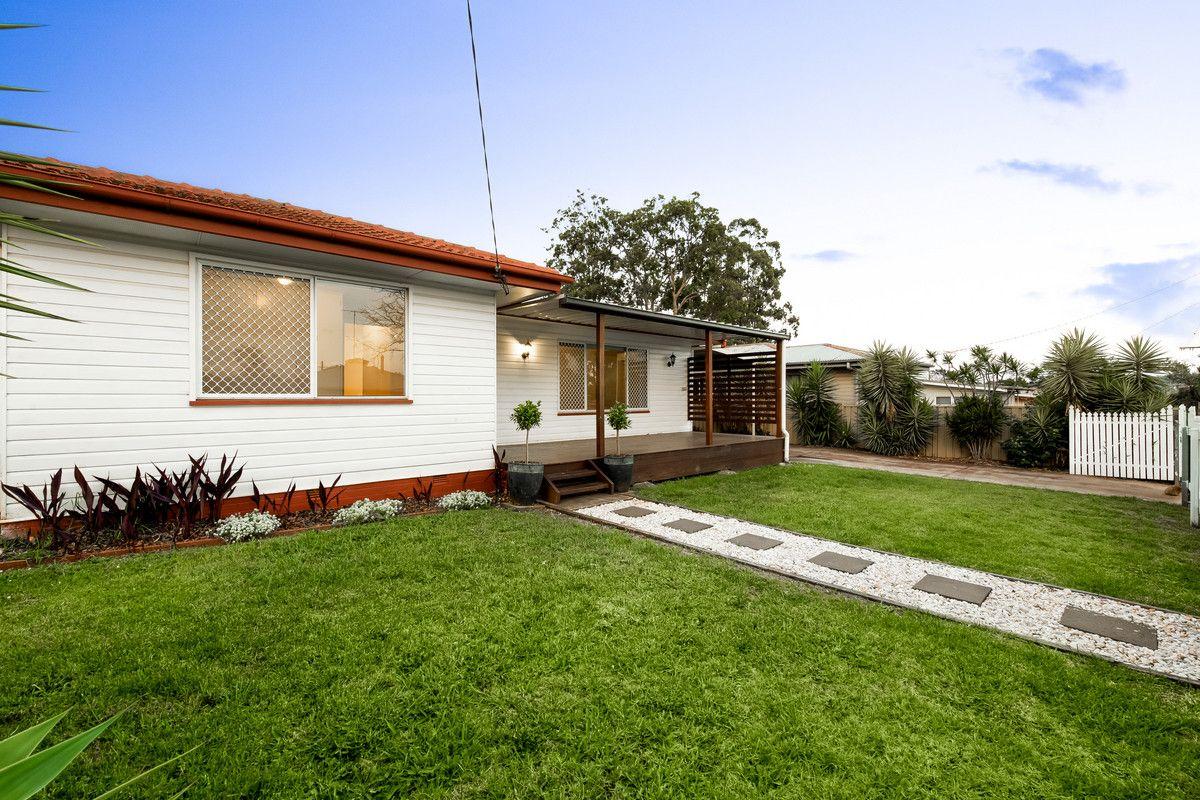 27 Cathro Street, Rockville QLD 4350, Image 2
