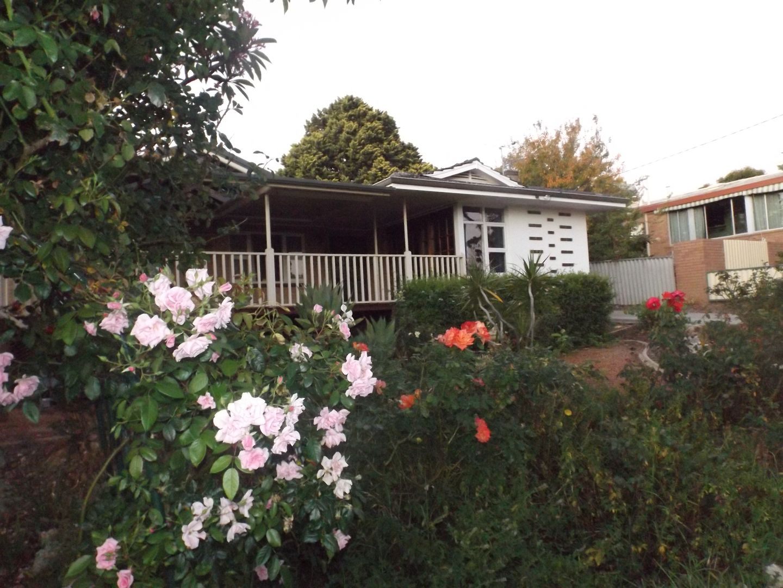 Swan View WA 6056, Image 1