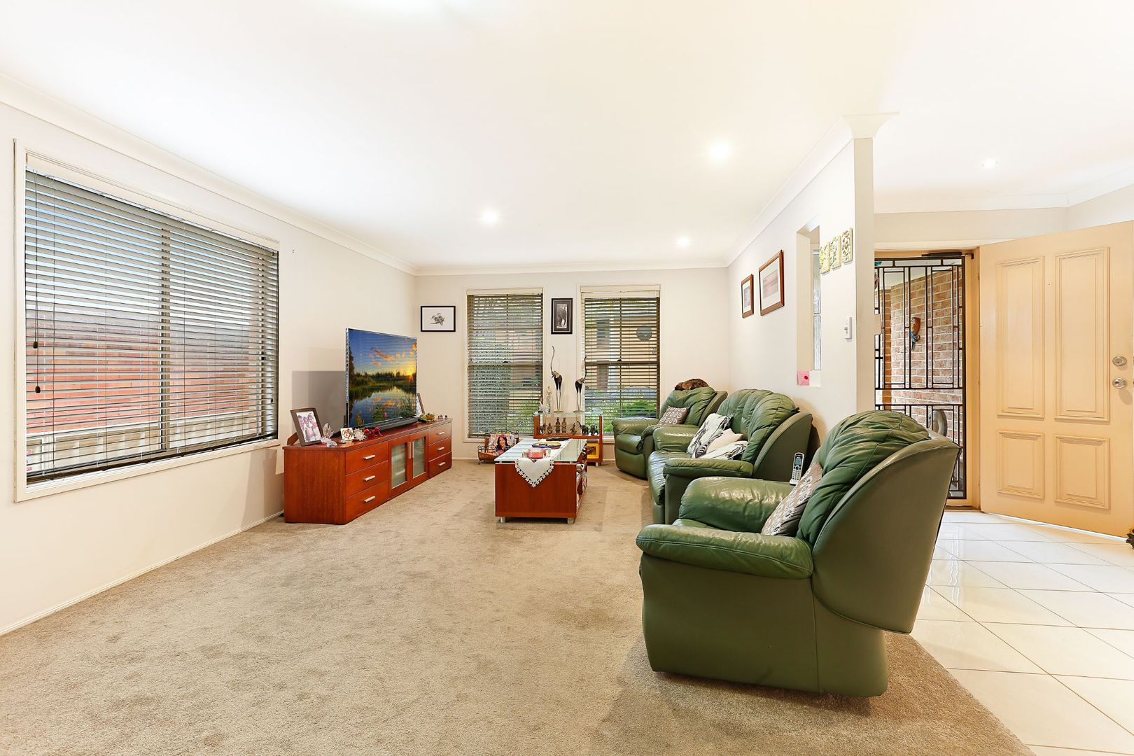 12 Haddon Crescent, Marks Point NSW 2280, Image 2