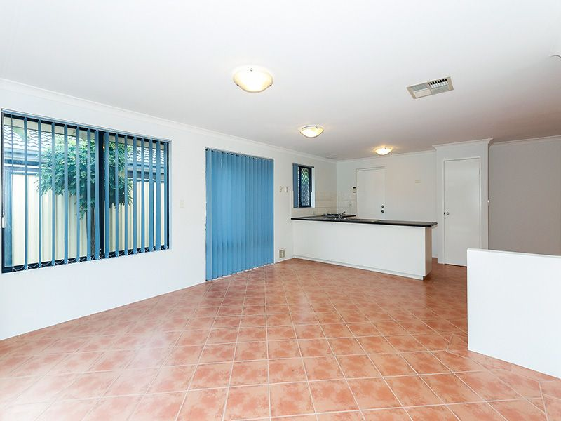 5 Spoonbill Place, Queens Park WA 6107, Image 2