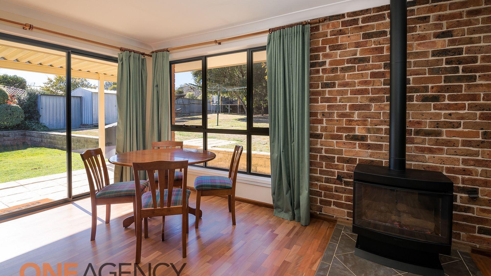 4 Carramar Avenue, Orange NSW 2800, Image 2