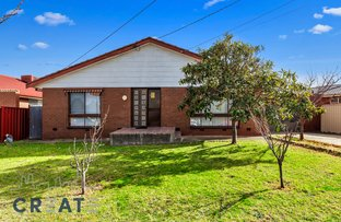 Picture of 5 Lambolle Court, St Albans VIC 3021