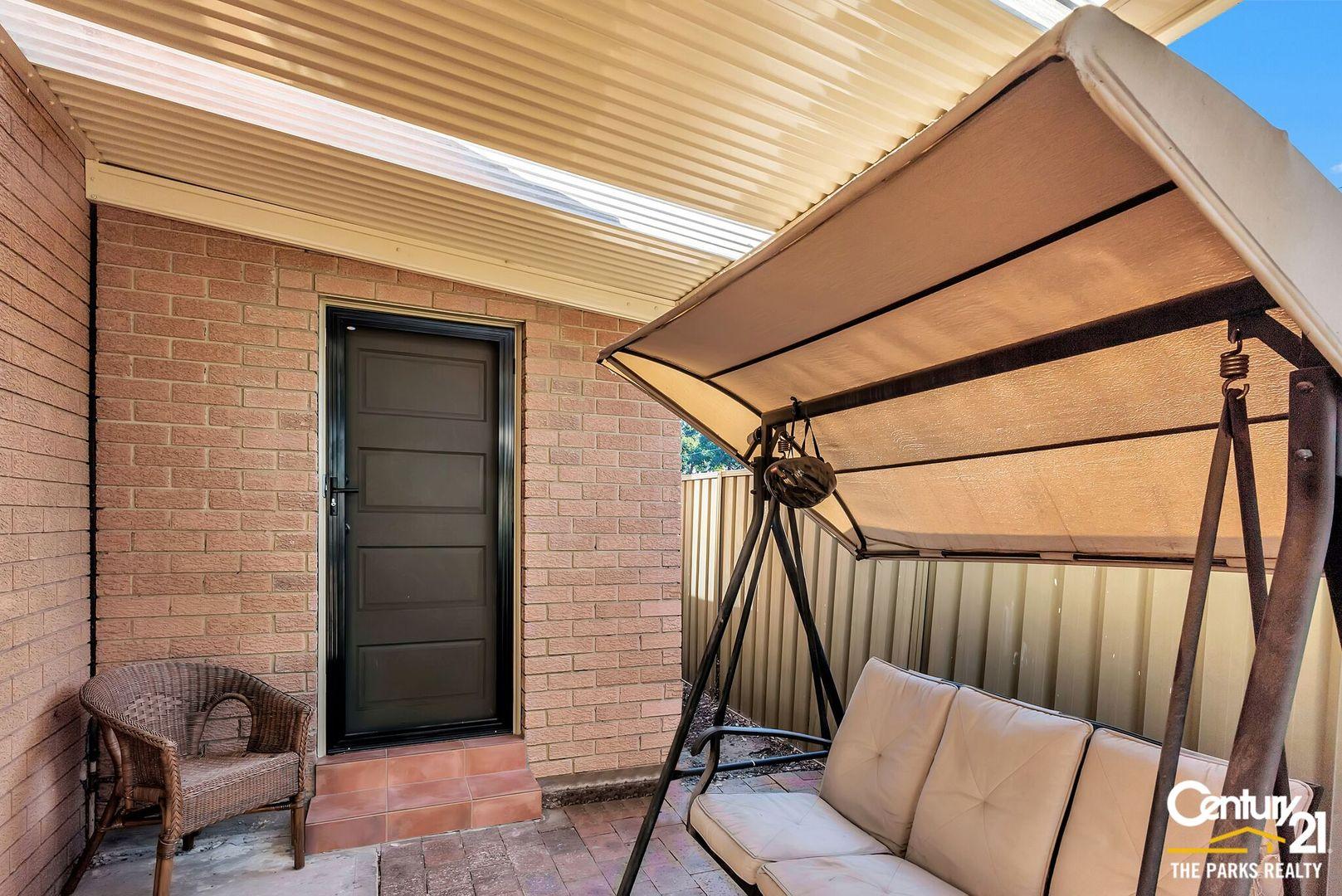 6a Clarke Close, Prairiewood NSW 2176, Image 0