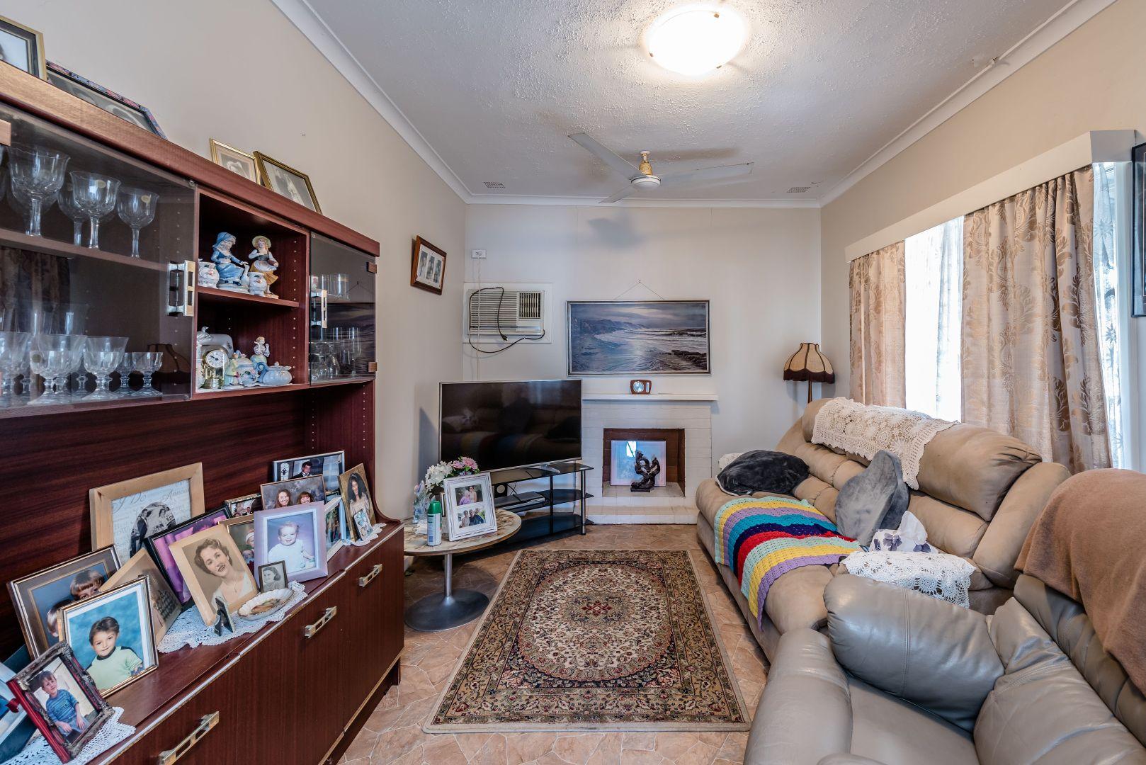 19 Hutchinson Street, Geraldton WA 6530, Image 2