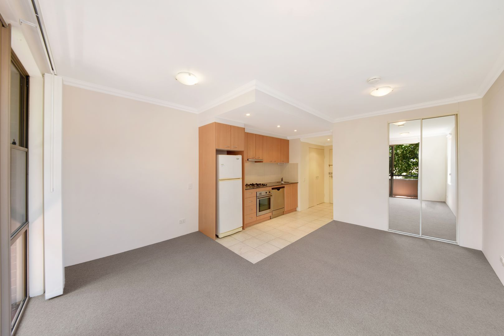 25/13 Ernest  Street, Crows Nest NSW 2065, Image 2