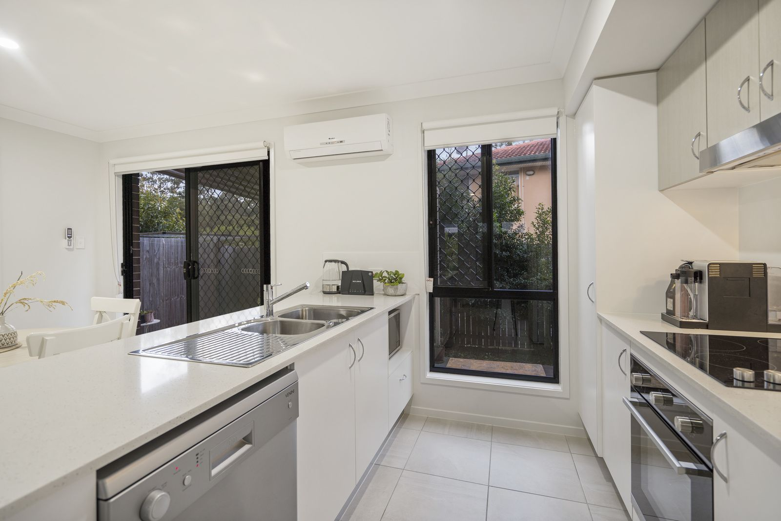 90/11 Rachow Street, Thornlands QLD 4164, Image 2