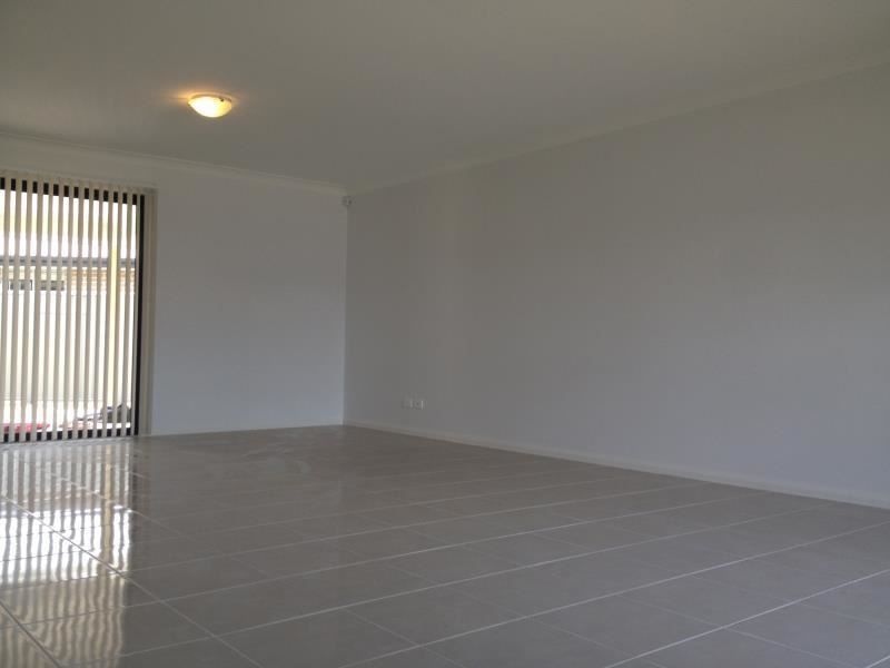 2 MCCABE PLACE, Rosemeadow NSW 2560, Image 1