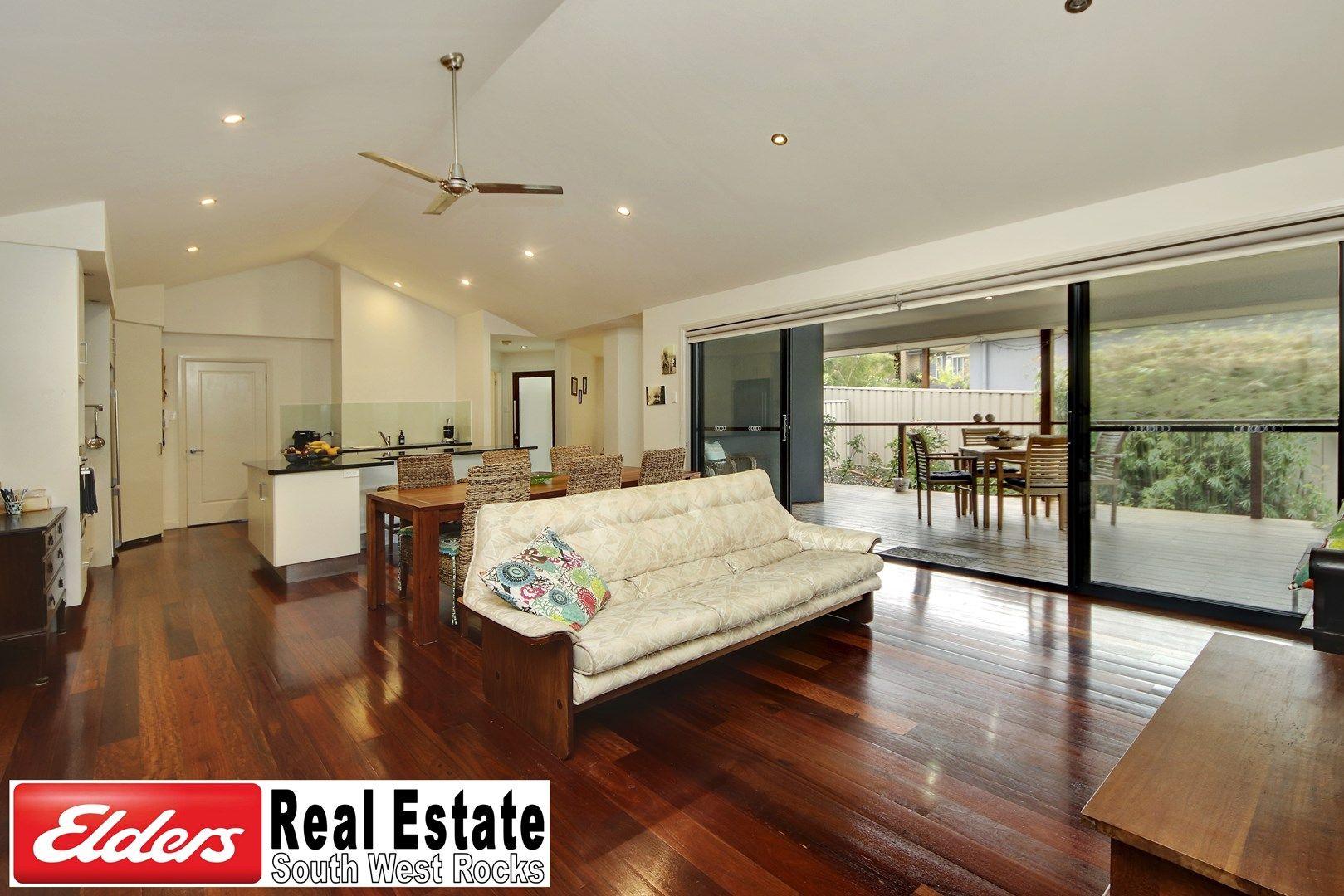 25 Waianbar Ave, South West Rocks NSW 2431, Image 0