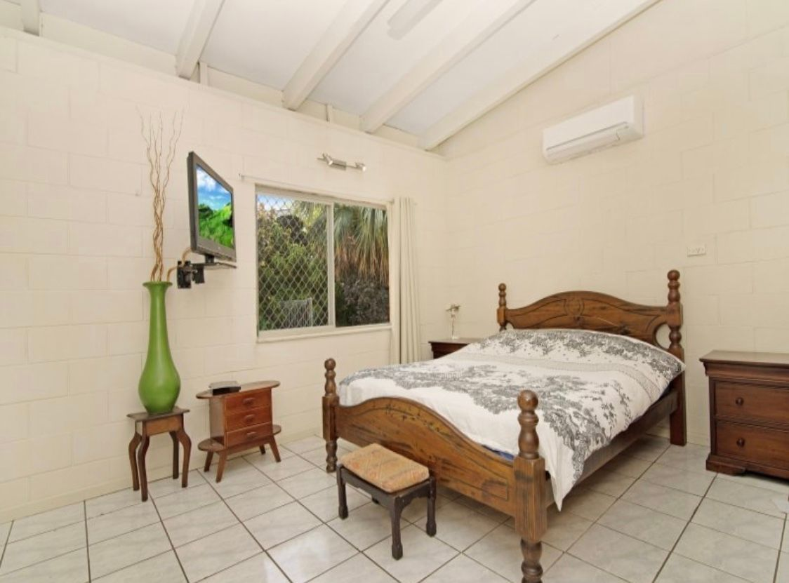 13 Easther Court, Coconut Grove NT 0810, Image 2