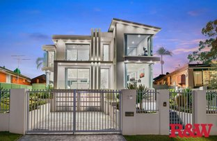 Picture of 26 Lincoln Road, Georges Hall NSW 2198