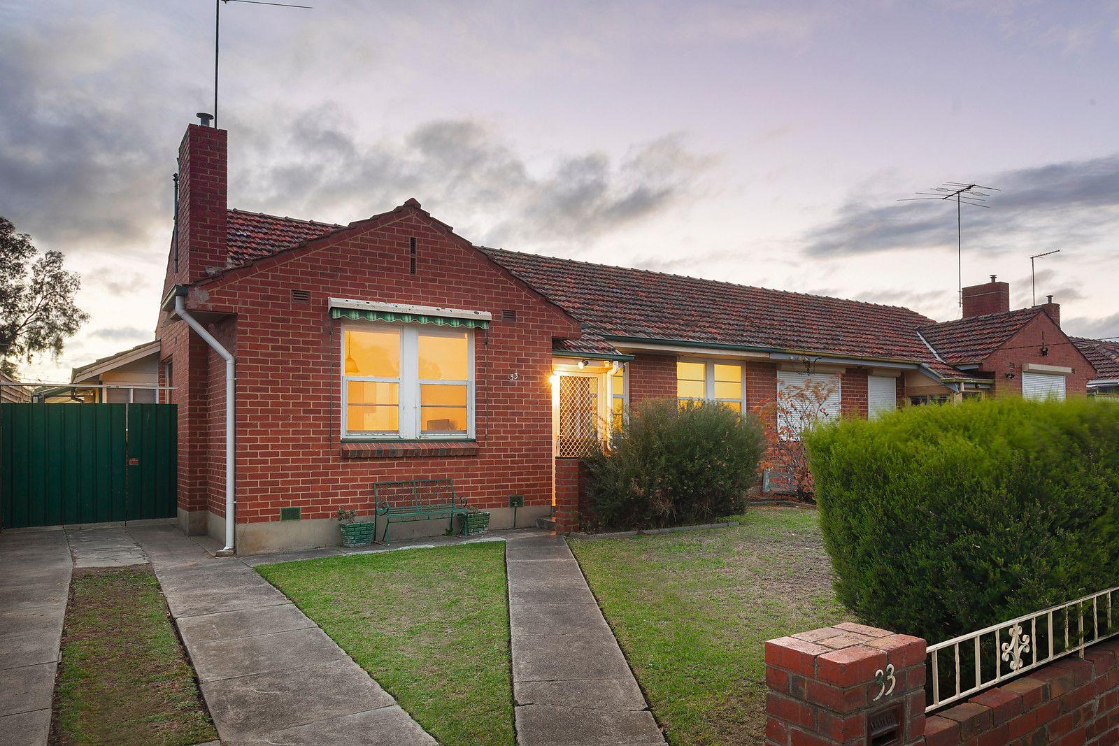 33 Connolly Avenue, Coburg VIC 3058, Image 0