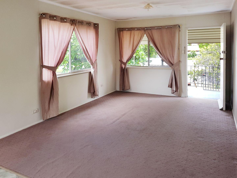 57 Killarney Avenue, Darra QLD 4076, Image 2