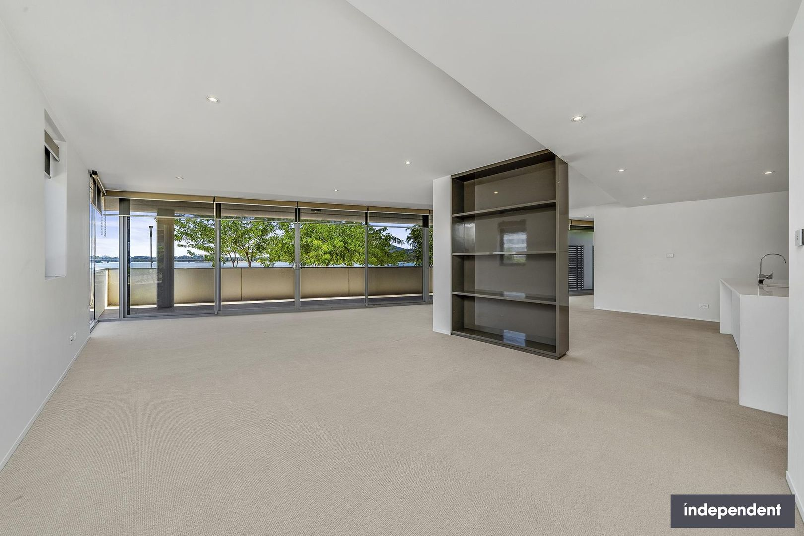 72/11 Trevillian Quay, Kingston ACT 2604, Image 2