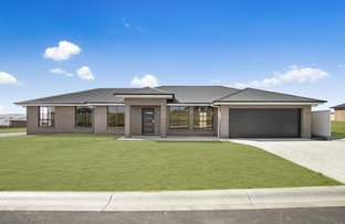 Picture of 1 Darvall Drive, Kelso NSW 2795