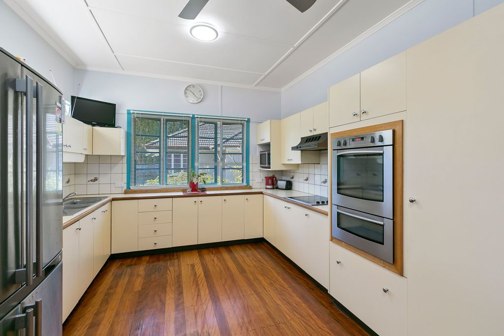 10 Upwood Street, Coopers Plains QLD 4108, Image 2