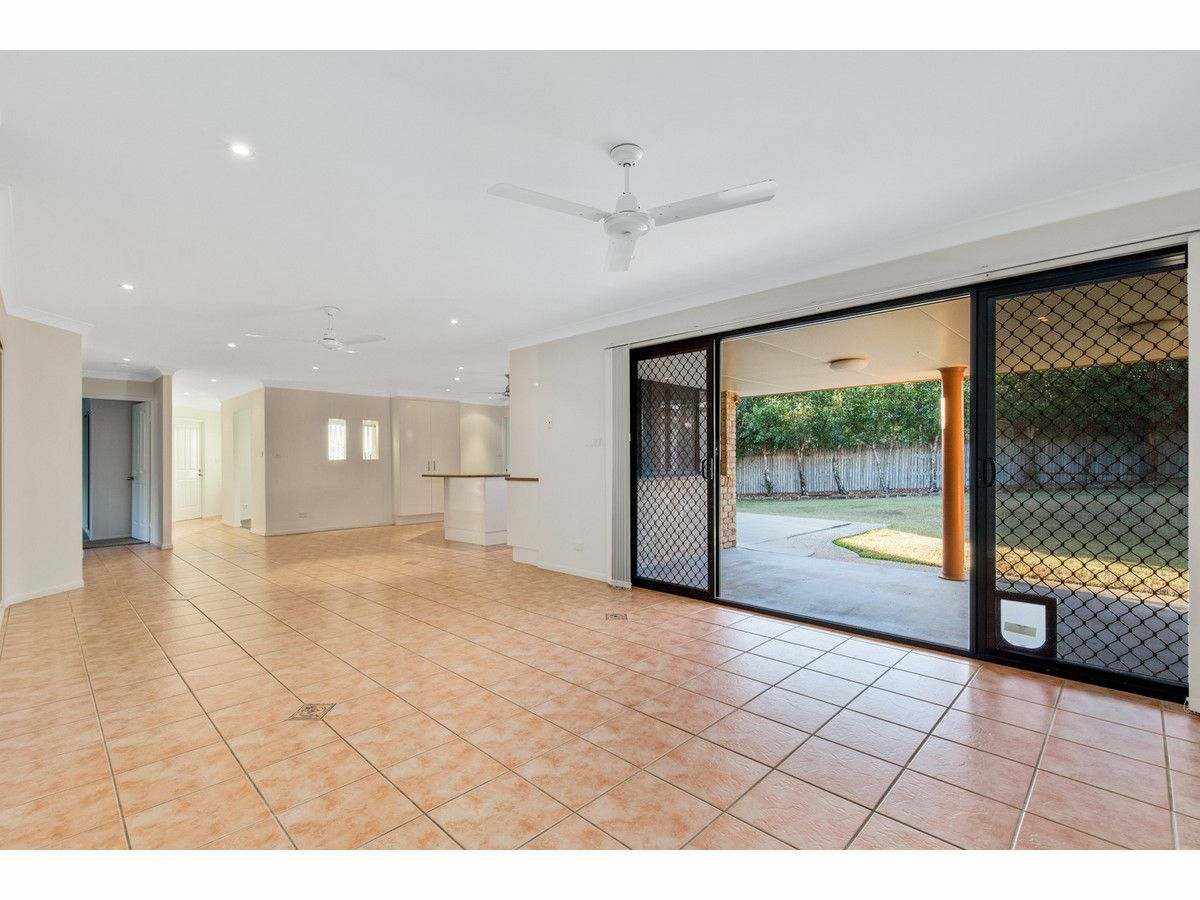 34 Springfield Drive, Norman Gardens QLD 4701, Image 2