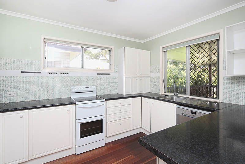 94 Dewar Terrace, Sherwood QLD 4075, Image 1