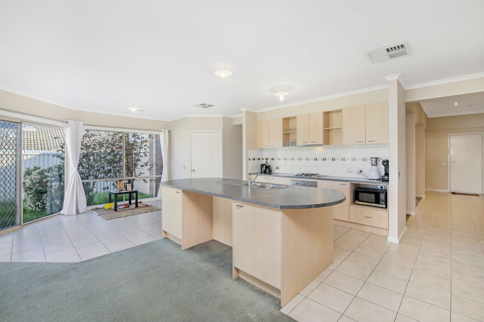 8 Cardiff Grove, Cranbourne East VIC 3977, Image 1