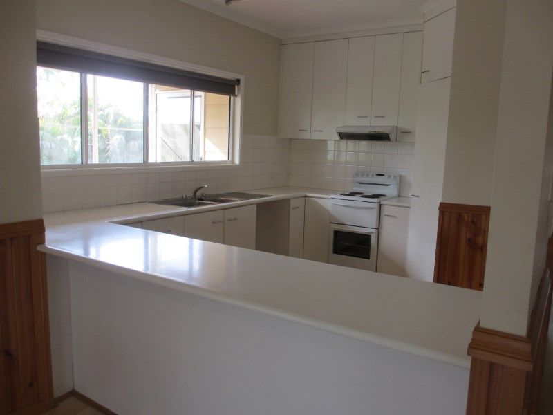 12 Julie Court, Emerald QLD 4720, Image 2