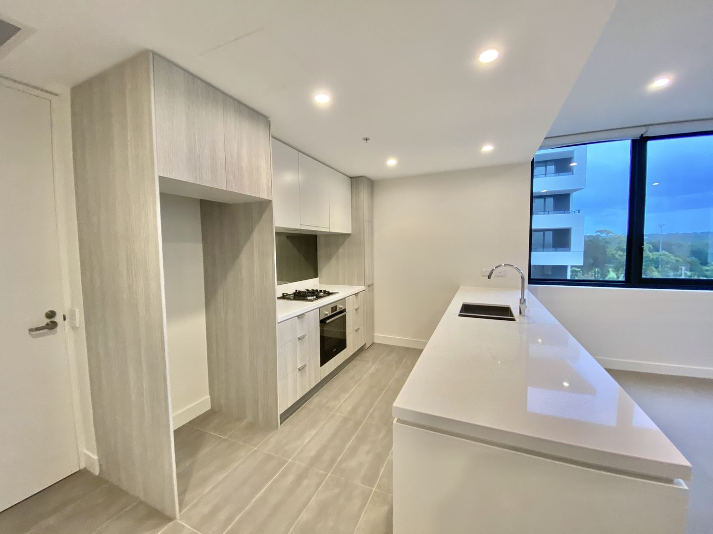 402/471 Captain Cook Drive, Woolooware NSW 2230, Image 0