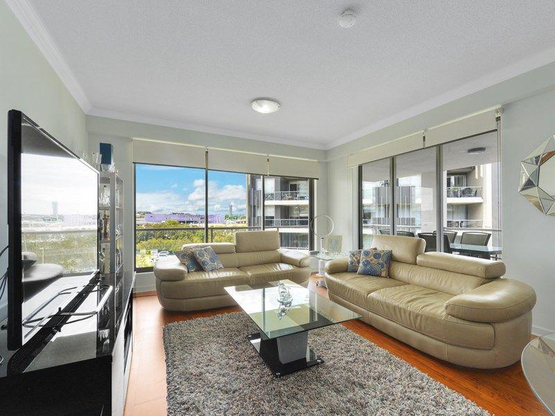 1601/141 Campbell Street, Bowen Hills QLD 4006, Image 2