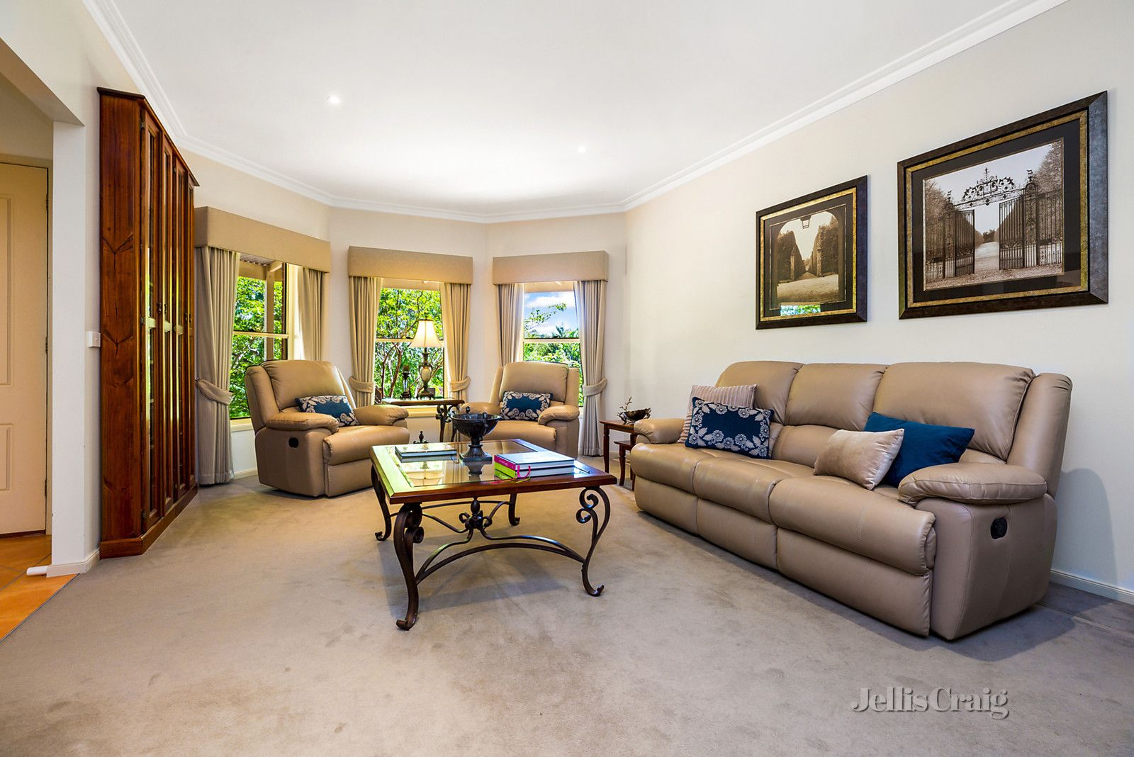 10 Mitchell Parade, Castlemaine VIC 3450, Image 2