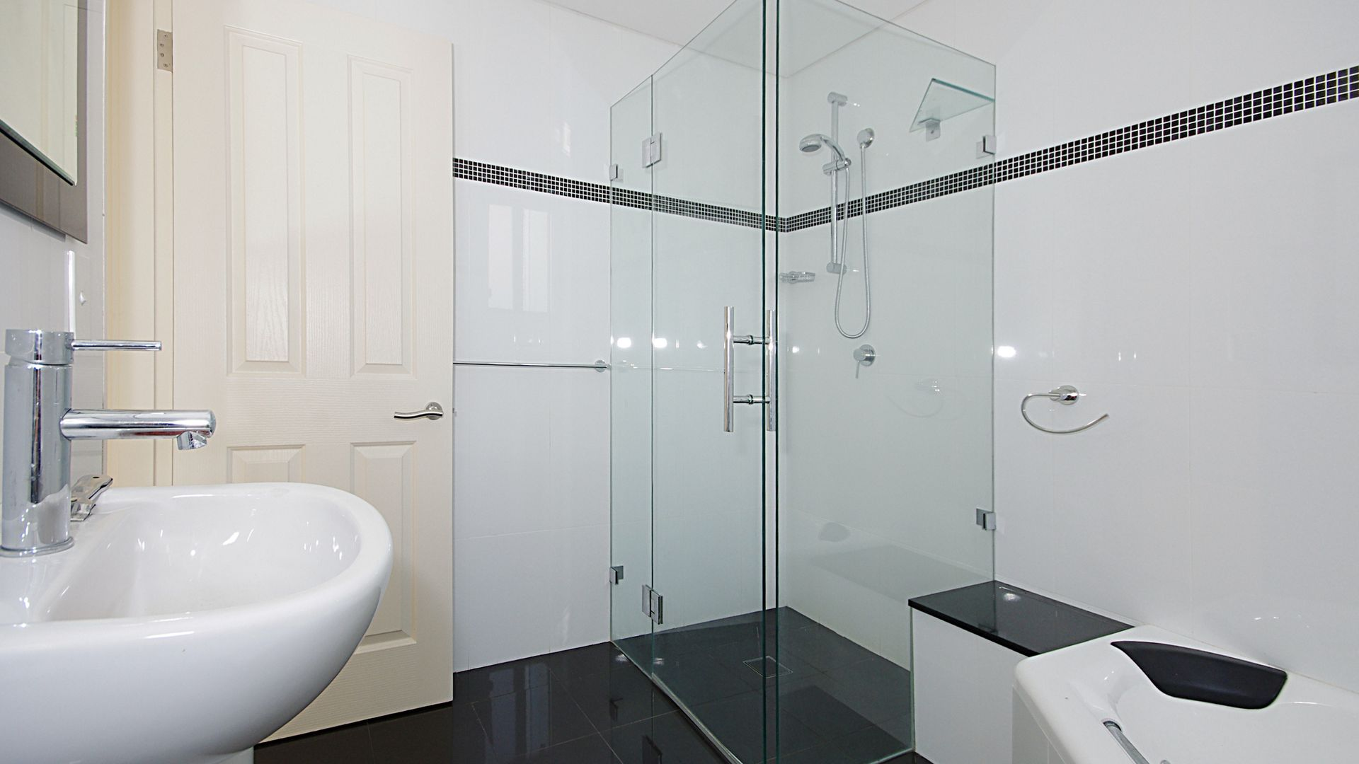 3/8 Charm Place, Peakhurst NSW 2210, Image 2