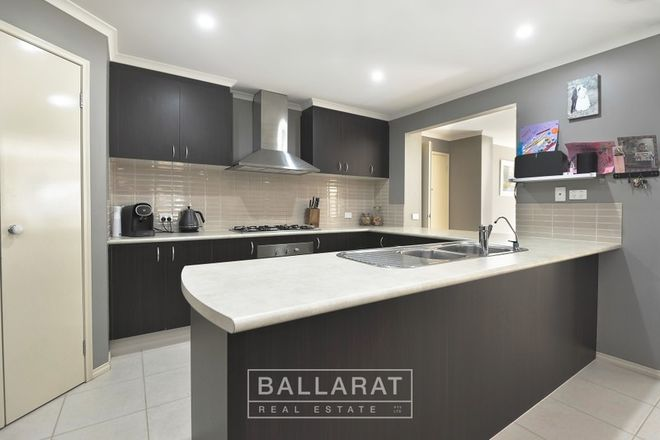 Picture of 61 Briardale  Avenue, ENFIELD VIC 3352